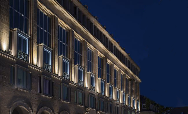 The Basic requirements of Flood Light Fixture for Architectural Facade - AGC Lighting