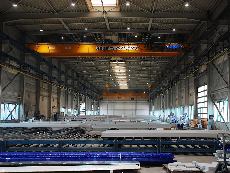 490pcs HiCloud high bay in a steel manufacturing