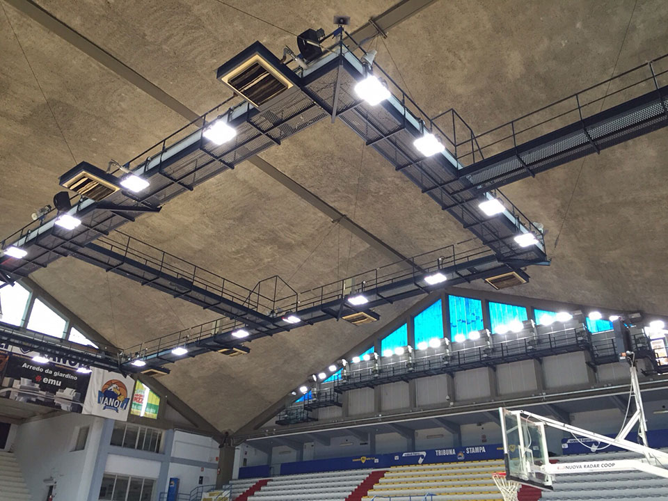 HiCover I flood light in basketball court up to 1703lux