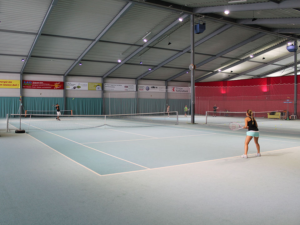 LED high bay in tennis court